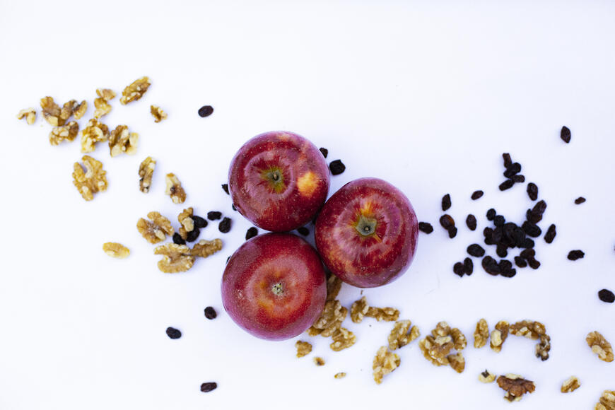 Apple Pie Spiced Walnuts and Raisins